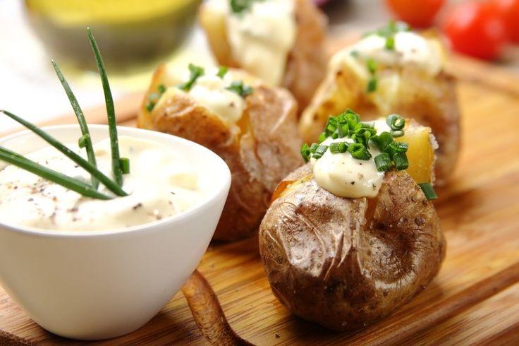 Przepis na Czosnkowy dip do pieczonych ziemniaków