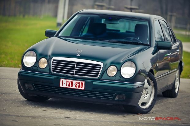 Odkrywamy nasze archiwalia: Mercedes W 210 E 290 Turbodiesel z niezniszczalnym silnikiem.   http://www.motospace.pl/uzywane/mercedes_e_290_turbodiesel_z_roku_1999/  #mercedes #mercedesW210 #mercedesturbodiesel #polskitest #motospace.pl