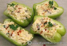 La aceasta salata recurg de cele mai multe ori dupa perioada Pastelui, dar o folosesc si la petreceri pentru a iesi din tiparul retetelor cu oua umplute.