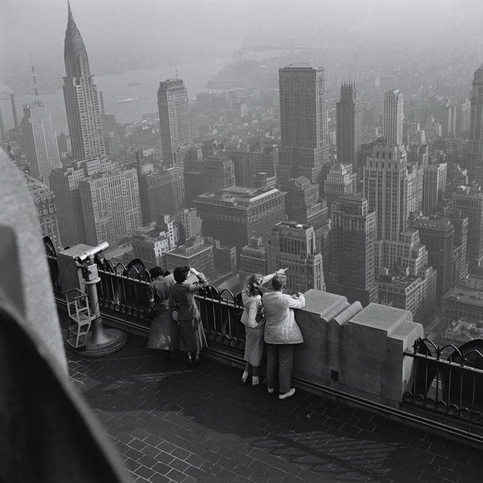 New York 1949 Photo: Burt Glinn (assuming from the Empire State observatory).