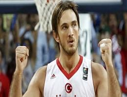 Basketbol haberleri, Fenerbahçe Ülker Anadolu Efes forması giyen Semih Erden'i kadrosuna kattı