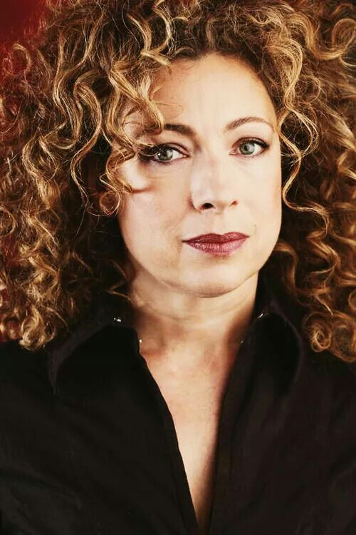Alex Kingston nude 6