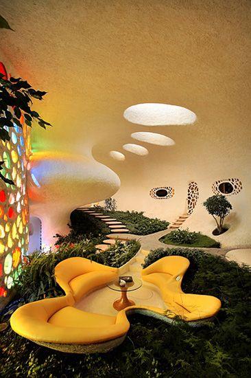 Futuristic Nautilus House (Retro Future - Retro Futurism - Vintage Sci Fi - space age architecture - Atomic Age)
