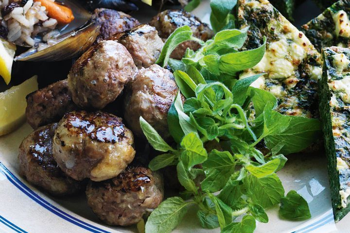 Note: I used 1 cup fresh breadcrumbs and added 1 clove of garlic to the mixture. Greek lamb meatballs