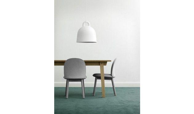 Mit Dem Ace Chair Von Normann Copenhagen Holen Sie Sich Einen Besonders Wandelbaren Stuhl In Ihr Zuhause Perfekt Fur All Diejenigen Die Es Nicht Allzulange An Einem Ort Halt Der Stuhl Kommt