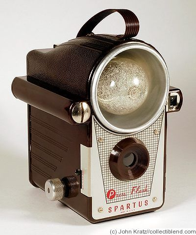 Spartus: Press Flash - the first camera to have a built-in flash reflector (1941-1950)