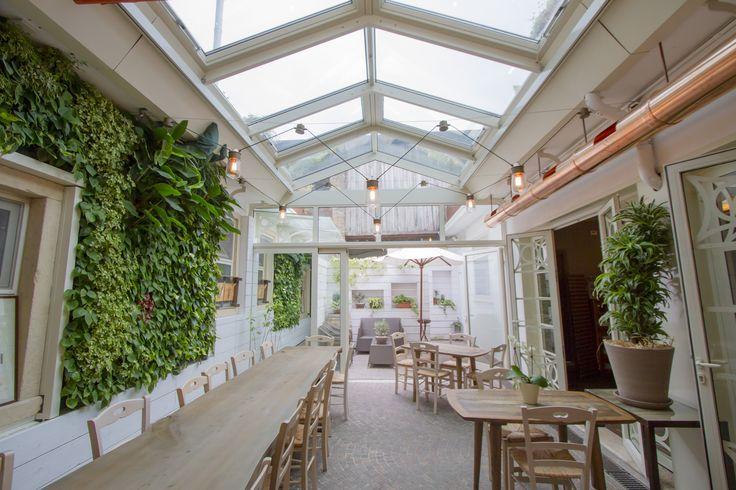 Restaurant I Caprini - Italy - #verticalgarden www.sundaritalia.com