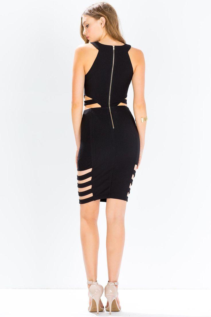 Платье с вырезами Размеры: S, M Цвет: черный, ярко-синий Цена: 976 руб.   #одежда #женщинам #платья #коопт