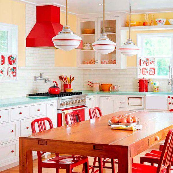 Retro Home: Retro Kitchen - Kitchen Decor Ideas - Country Living Kitchen Redo, Kitchen Dining, Kitchen Remodel, Kitchen Cabinets, Kitchen Paint, Kitchen Ideas Red, Red Kitchen Decor, Kitchen Country, Happy Kitchen