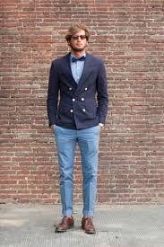 Resultado de imagen para combinar pantalon azul pastel hombre