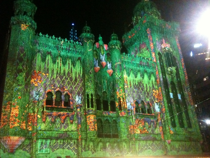 Melbourne's white night flinders st projections
