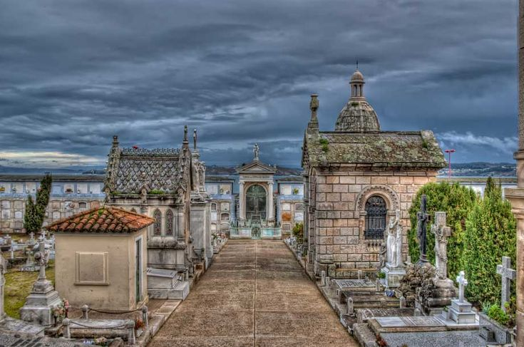 SAN AMARO A CORUÑA : ruta de cementerios españoles con encanto