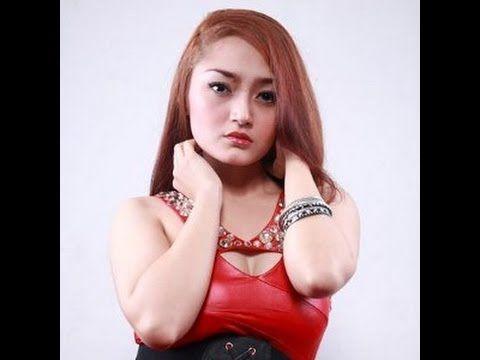 Must See !!! Foto Foto Siti Badriah Dalam Berbagai Pose ,Cantik Hot dan Seksi Luar Biasa
