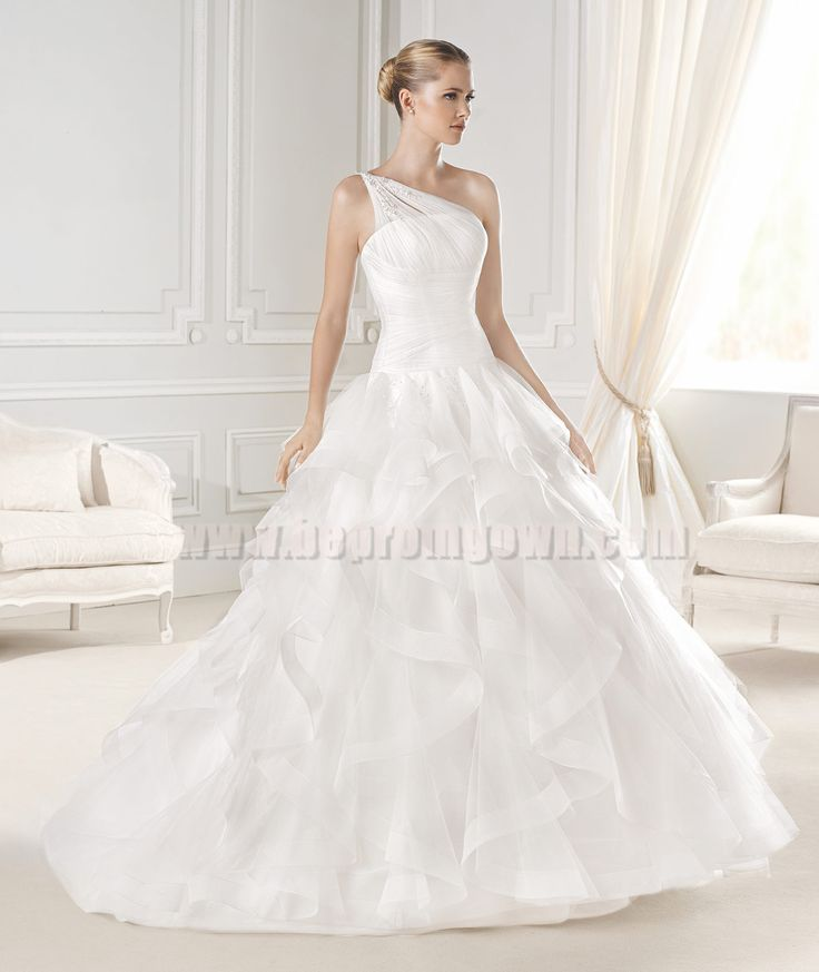 Cool  best wedding dresses images on Pinterest Wedding dressses Marriage and Wedding gowns