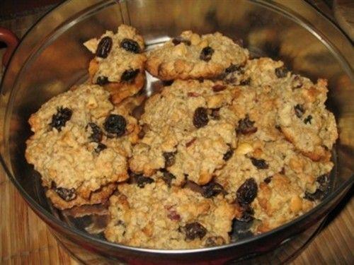 Печенье овсяное с фундуком, изюмом и коньяком