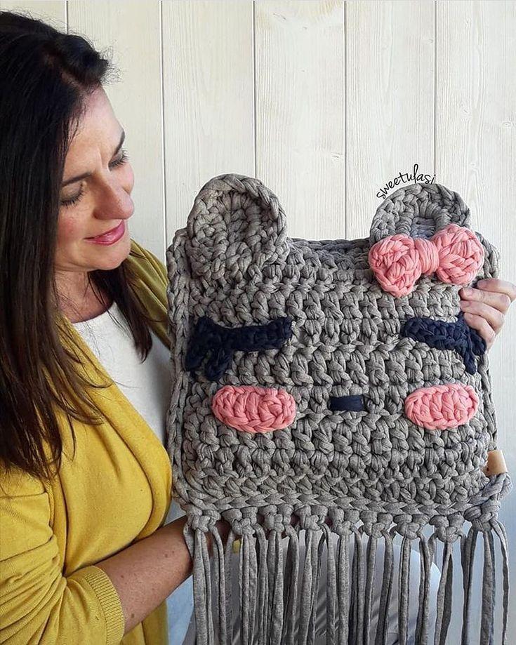 """2,588 Likes, 31 Comments - Örgüye Dair Herşey (@orguyedairhersey_) on Instagram: """" @gocmenfatmaa . . . . . . #crochet #crocheting #crossstitch #kanavice #crochetblanket #knitting…"""""""
