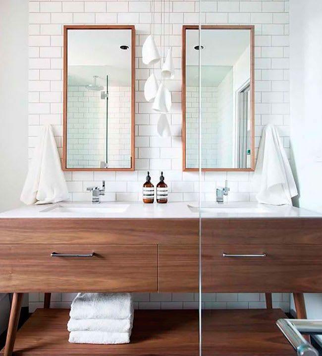 BÁSICOS IMPRESCINDIBLES  Un set de baño completo (con vaso para el cepillo de dientes, jabonera, espejo…) y un juego de toallas son básicos que no deben faltar en el baño de invitados.Baño listo para recibir   Ventas en Westwing