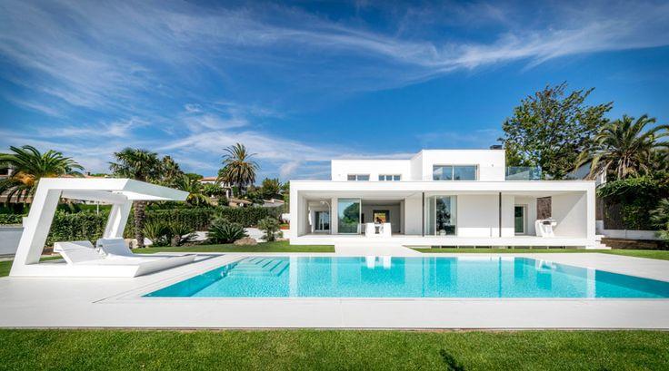 Herrero House by 08023 Architects