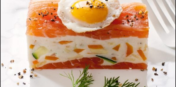 Zalm Tompouce Met Romige Forelmousse recept | Smulweb.nl