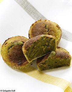 LE DESSERT : FONDANT CITRON-MATCHAMixez finement le zeste d'un citron avec 60 g de sucre blond et 1 cuillerée à café de thé matcha (poudre de thé vert). ...                                                                                                                                                                                 Plus