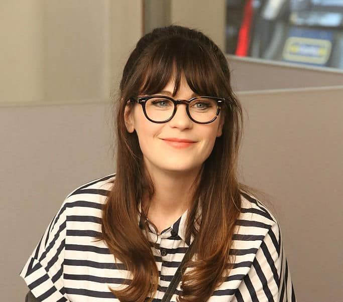 12 Suitable Bangs Styles For Women With Square Faces How To Style Bangs Square Face Hairstyles Hairstyles With Glasses