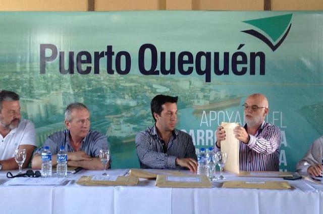 PUERTO QUEQUEN: LICITACIÓN OLEODUCTO SITIO 3 A 6 APERTURA DE SOBRES   TENDIDO OLEODUCTO Y OBRAS COMPLEMENTARIAS DESDE SITIO 3 A SITIO 6 DE PUERTO QUEQUEN En las instalaciones del Consorcio de Gestión de Puerto Quequén con la presencia del Presidente de la institución Dr. Arturo Rojas se llevó a cabo la apertura de los sobres 1 y 2 correspondientes a la licitación pública Nº 1/2016 para la obra Tendido Oleoducto y Obras Complementarias desde Sitio 3 a Sitio 6 de Puerto Quequén. Acompañaron al…