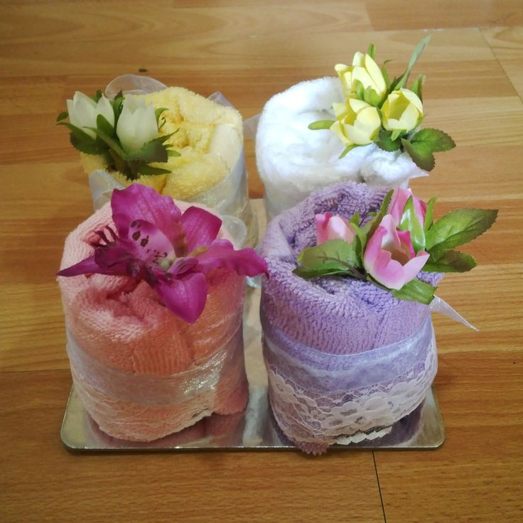 Mini napkin cakes