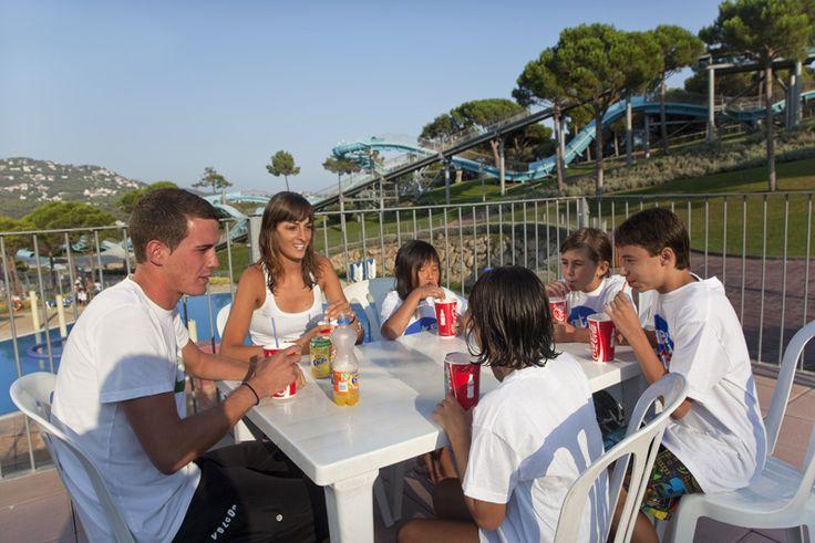 El restaurant poseidon podràs agafar forçes per continuar gaudint del parc. www.waterworld.es