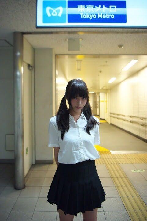 黒髪××ツインテール×制服