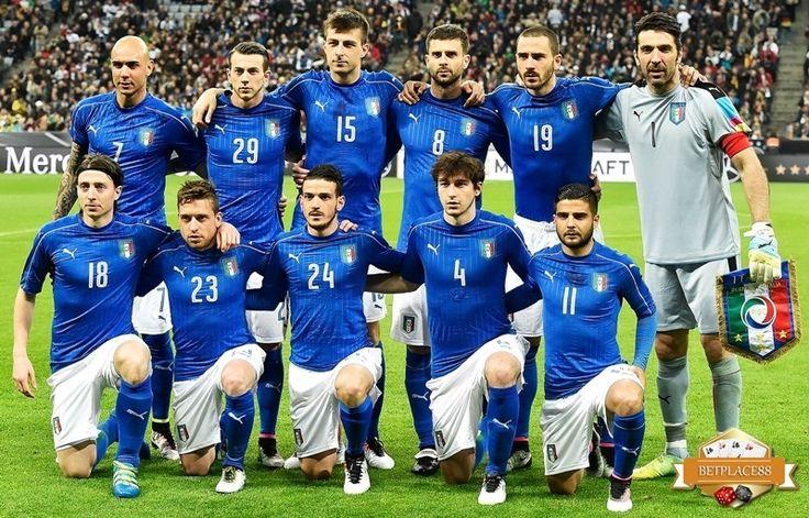 Inilah daftar pemain (skuad) Timnas Italia yang akan bermain di Euro 2016. Skuad lengkap Azzuri yang dilatih Antonio Conte yang merupakan salah satu tim yang difavoritkan di turnamen ini, karena na…