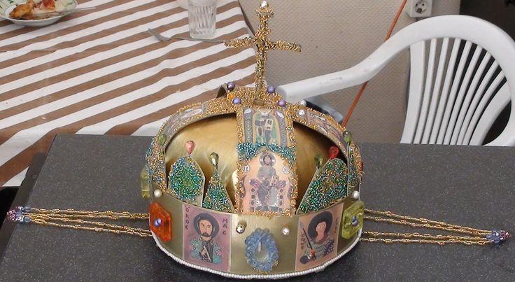 A soroksári István a király musicalben szerepelt ez a gyönggyel díszített korona.. a munkám..