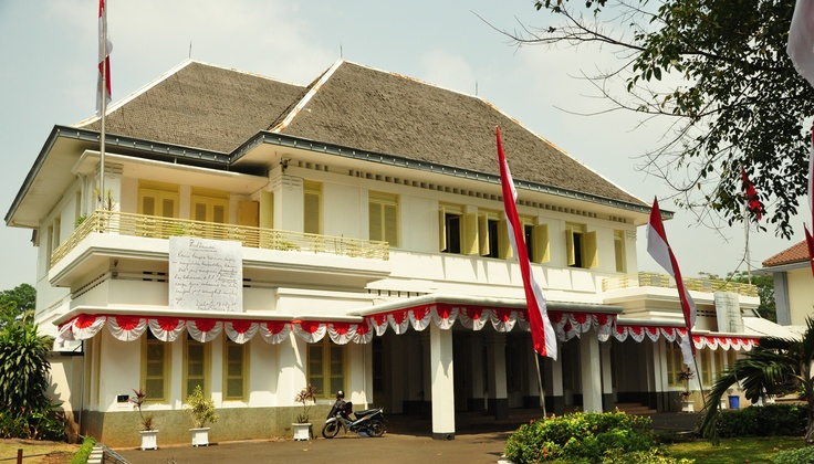 Museum Perumusan Naskah Proklamasi or the Museum of Independence Proclamation Drafting is located on Jl. Imam Bonjol No 1 Jakarta Pusat/Central Jakarta. http://www.goindonesia.com/id/indonesia/jawa/jakarta/seni_budaya/museum_jakarta/museum_perumusan_naskah_proklamasi