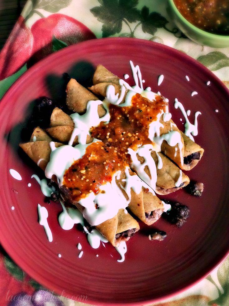 Black Bean Flautas w/ Caramelized Onions by @leslie_limon     #tacos #meatless #vegetarian