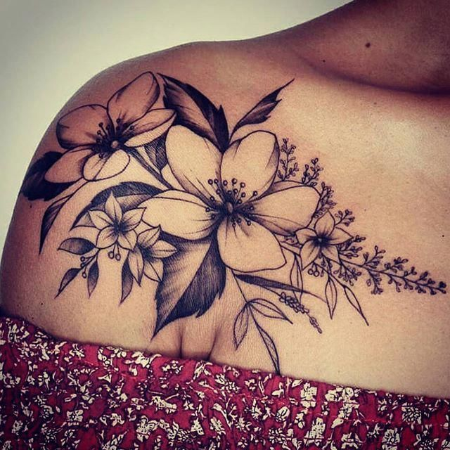 50+ Shoulder Tattoo for Woman: Beautiful Flower Tattoo #Tattoosforwomen