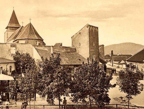 Orasul Ghimbav, situat in judetul Brasov, este unul dintre orasele istorice ale tarii noastre. Cunoscut in limba germana ca Weidenbach, acest oras este prea putin cunoscut de catre multi dintre romani, in ciuda semnificatiei sale istorice.  Totusi, cei care detin o casa Weidenbach cunosc dedesubturile istorice ale acestui teritoriu.