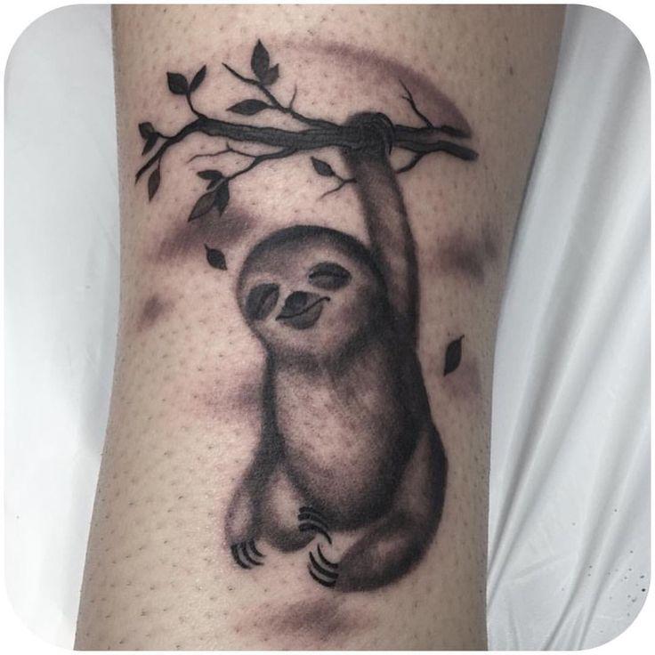 pi di 25 fantastiche idee su tatuaggio bradipo su pinterest tatuaggi di animali tatuaggi di. Black Bedroom Furniture Sets. Home Design Ideas