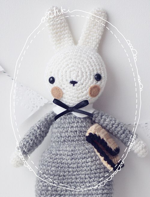 Amigurumi Peter Rabbit : Amigurumi bunny. She looks like a small schoolgirl to me ...
