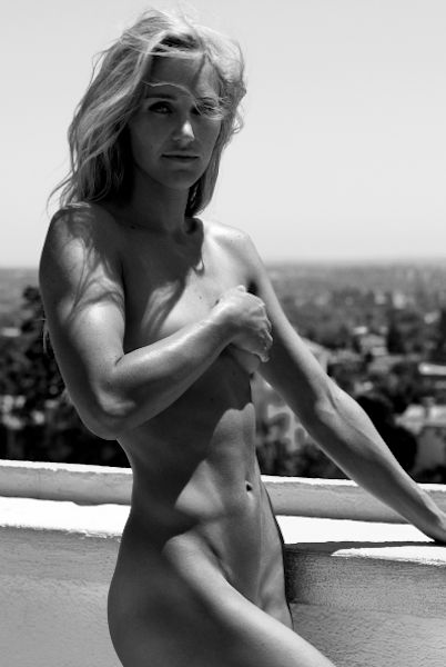 Gretchen Bleiler - because snowboarding is more fun when you are ripped. - Selected by www.oiamansion.com in Santorini.