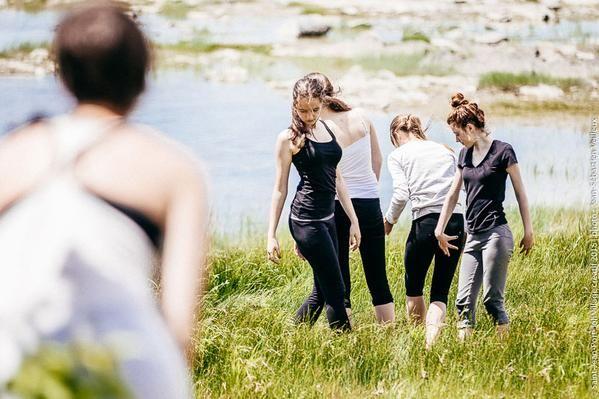 Les jeunes touristes ont participé entre autre à un atelier de danse à Saint-Jean-Port-Joli, Village créatif.