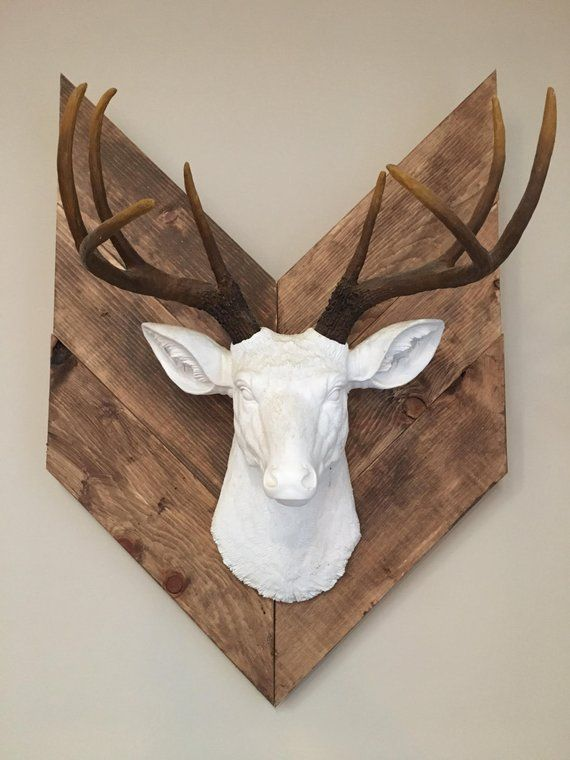 Newfoundland Woods Rustic Arrow Mount Reclaimed Wood Wall