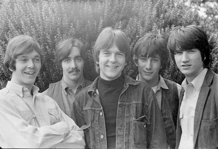 Poco back in 1968. Rusty Young, George Grantham, Randy Meisner, Jim Messina and Richie Furay © Photo courtesy of Michael Miller. Thanks Richie Furay for sharing.