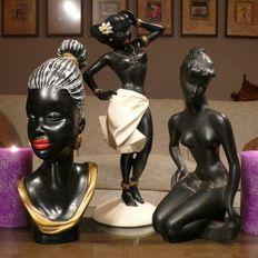 Drie leuke vintage beelden voorstellende drie exotische dames, circa 1950