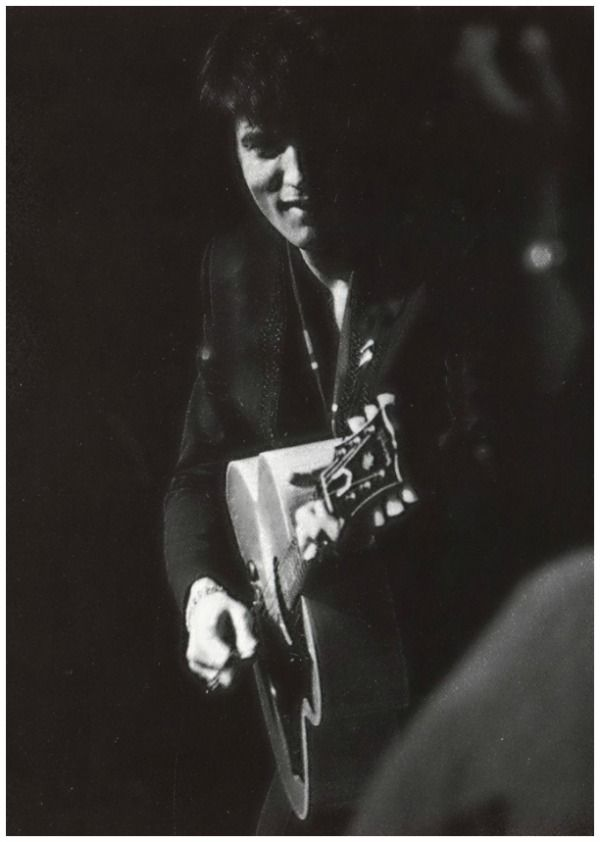 Elvis Presley - Saved lyrics - LyricZZ.com