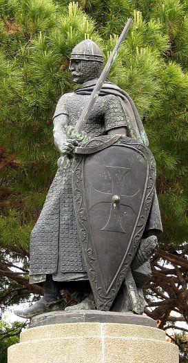 Statue_King_Afonso_Henriques_Portugal  Estátua de D. Afonso Henriques no Castelo de São Jorge em Lisboa, réplica da original, feita por Soares dos Reis, que se encontra em Guimarães