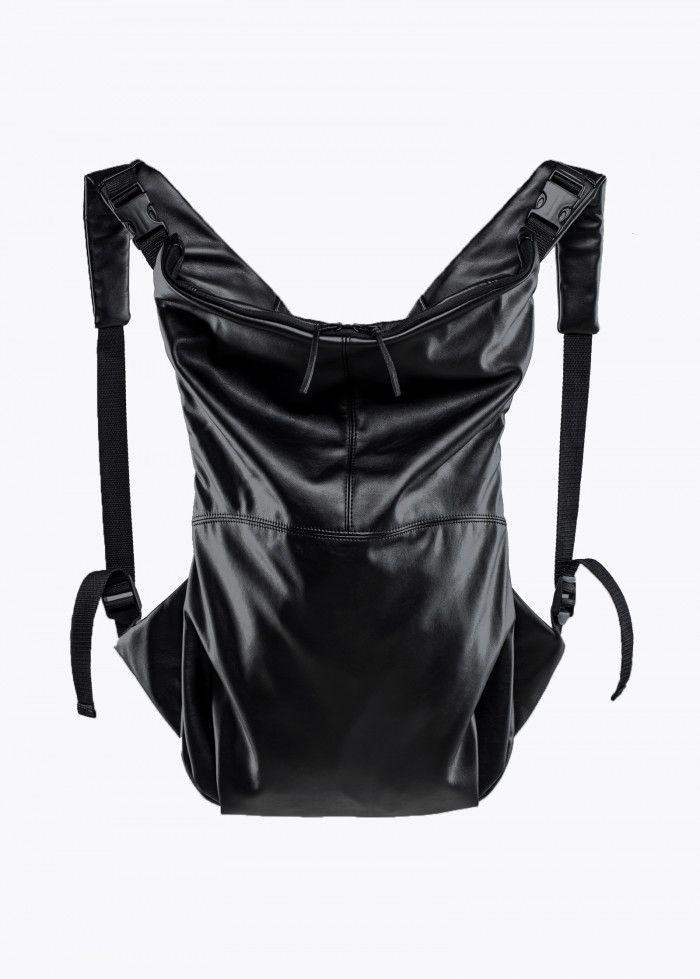 """Цена: 6 490 ₽  Унисекс. Рюкзак снабжен дополнительным защищенным мягким отделом на молнии для устройств до 18"""" и внутренним карманом. Надежные молнии с металлическими собачками. Размеры рюкзака: 35 см ширина, 46  см высота."""