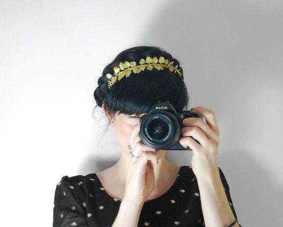 Hey, I found this really awesome Etsy listing at https://www.etsy.com/listing/163612678/golden-sparkly-headband-bridal-headband