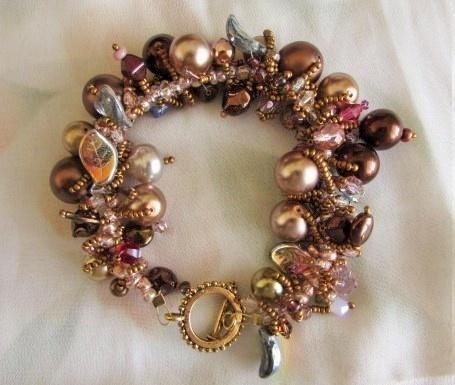 Czech glass and Swarovski bracelet - Jewelry creation by Cassandra Wood