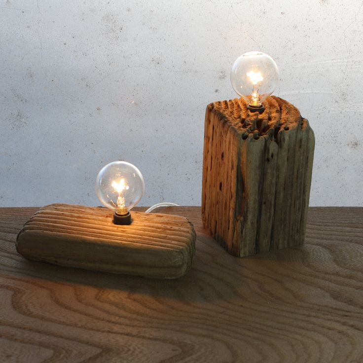 A utiliser abec des ampoules a economie denergie - Each of these repurposed driftwood lamps is one of a kind.