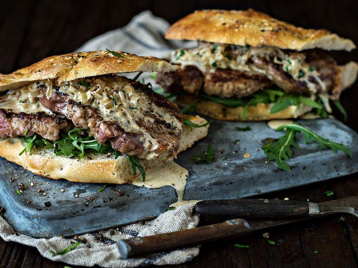 Campfire steak au poivre sandwiches