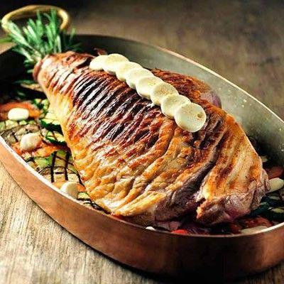 Lamsbout met been Nieuw Zeeland staat bekend om haar hoge kwaliteit lamsvlees. Het gras in Nieuw Zeeland krijgt, omdat het een